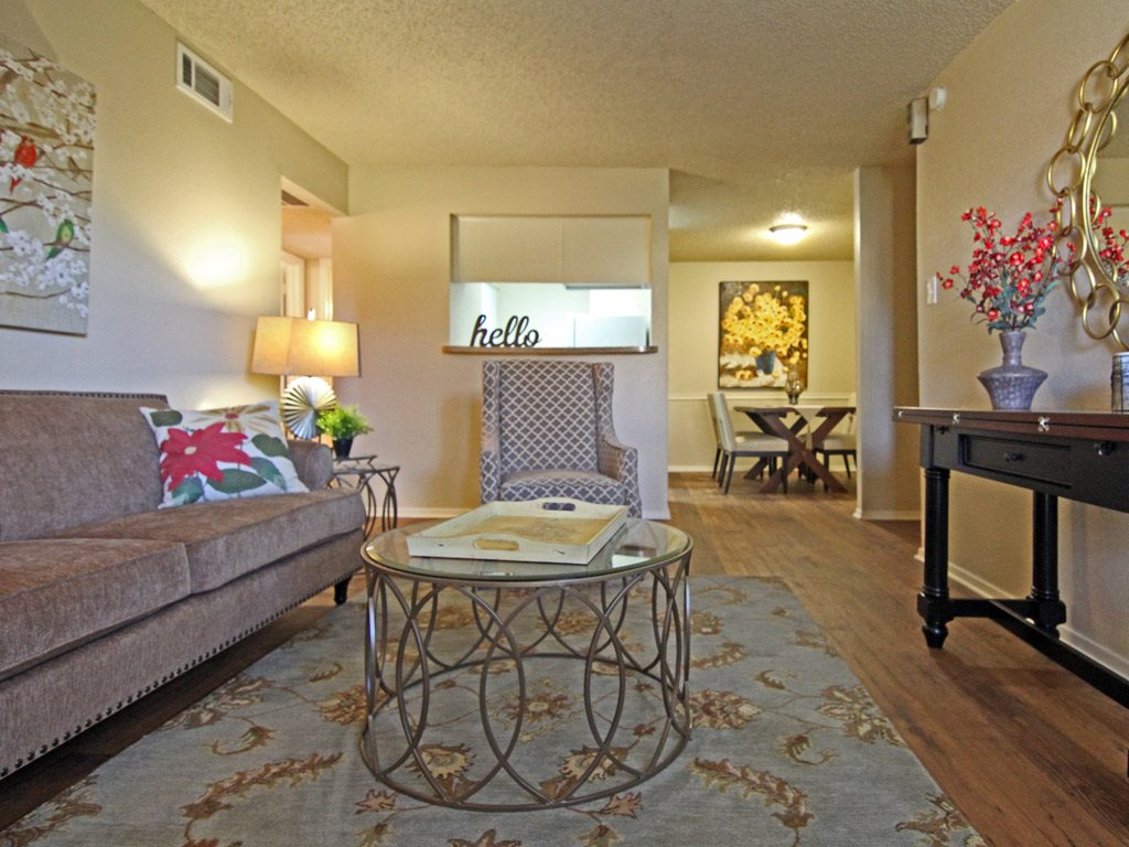 Apartment Living Room at Parks on the Green, TX, 76504